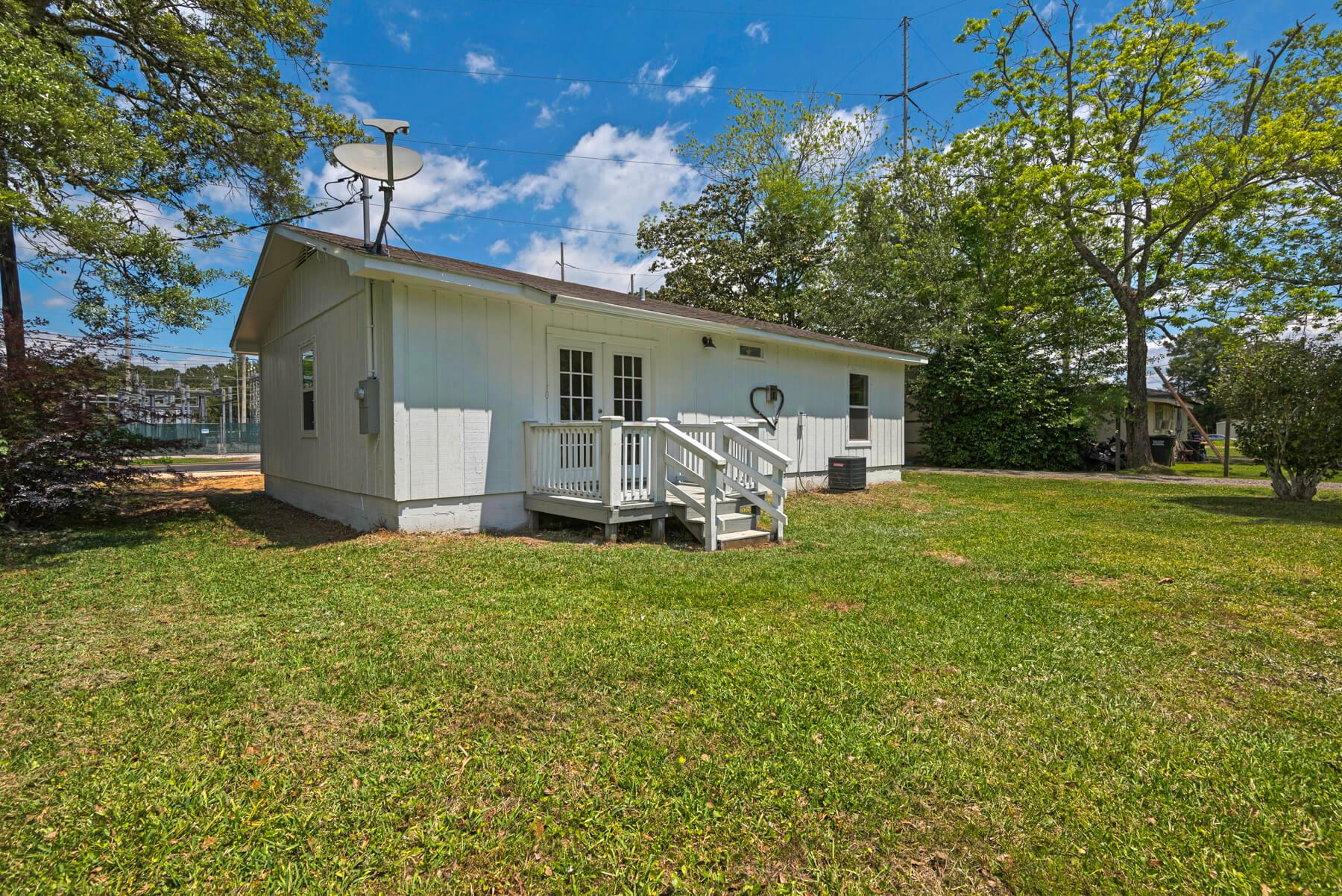 7466 Twin Beech Road Fairhope for Sale Urban Property backyard view 5