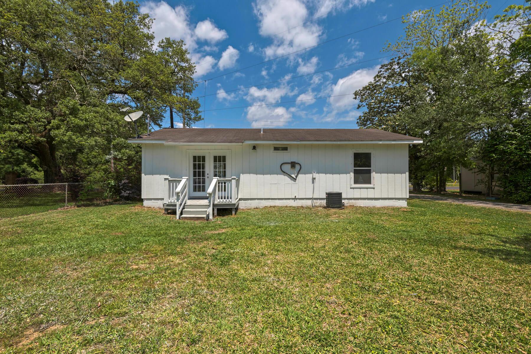 7466 Twin Beech Road Fairhope for Sale Urban Property backyard view 6