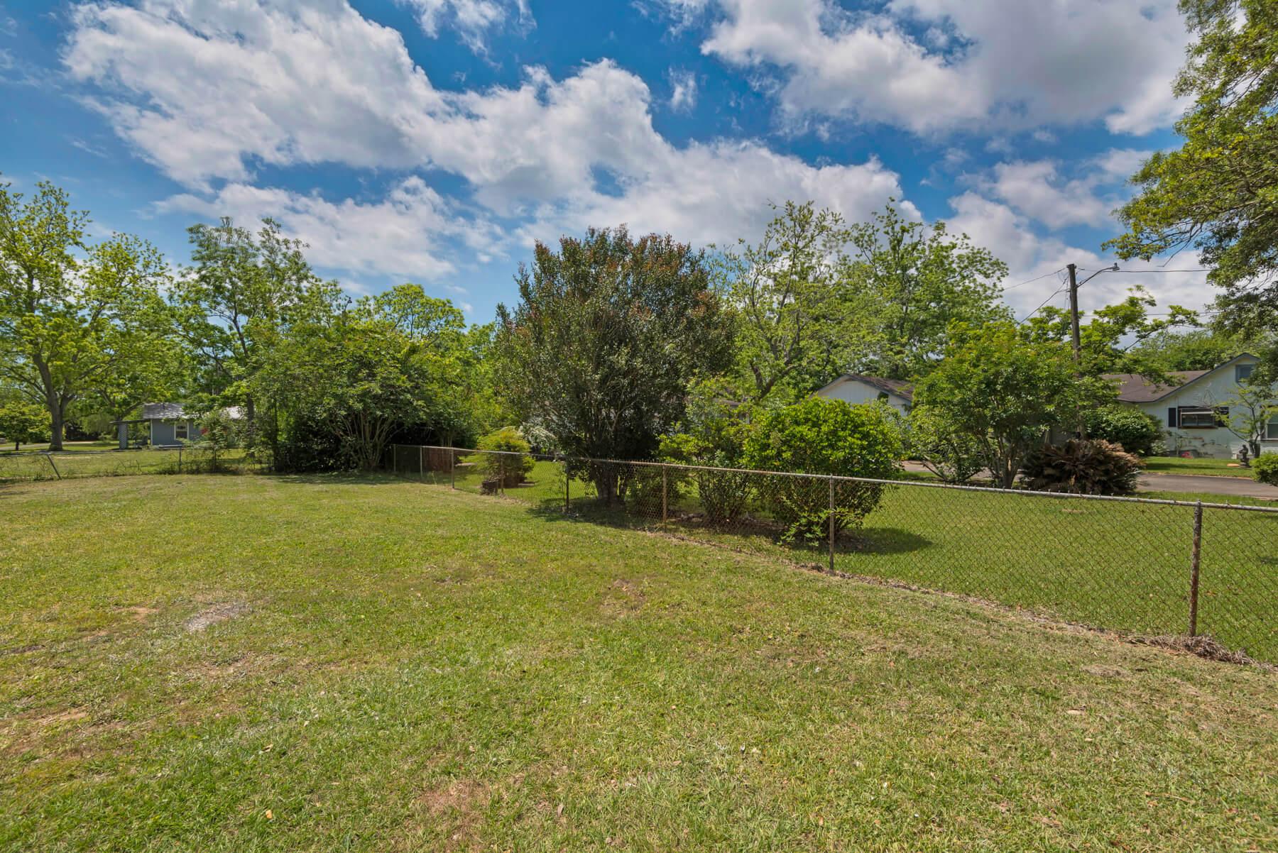 7466 Twin Beech Road Fairhope for Sale Urban Property backyard view 9