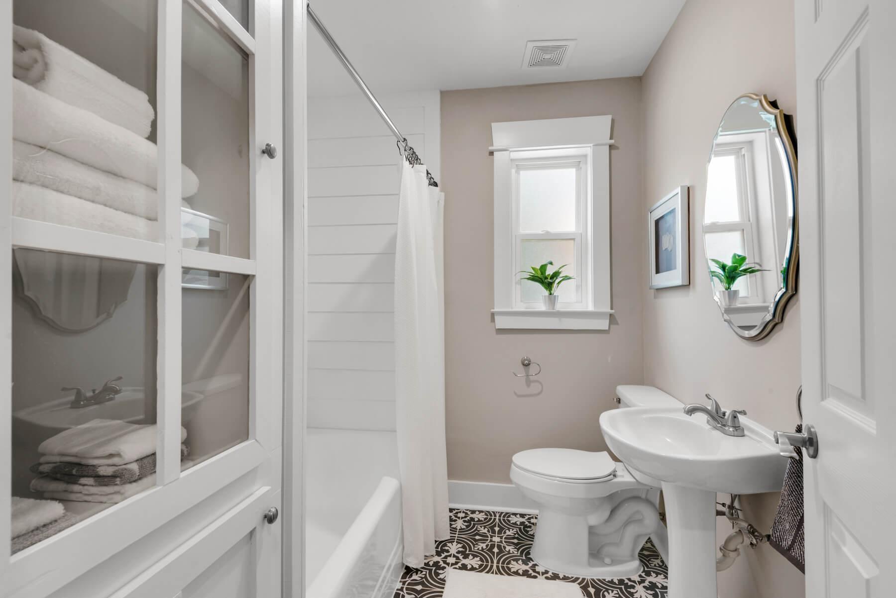 531gayfer.com movetobaldwincounty.com Urban Property 373