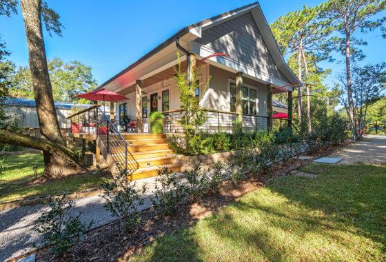 614 Nichols Avenue Fairhope 614nichols.com movetobaldwincounty.com Urban Property